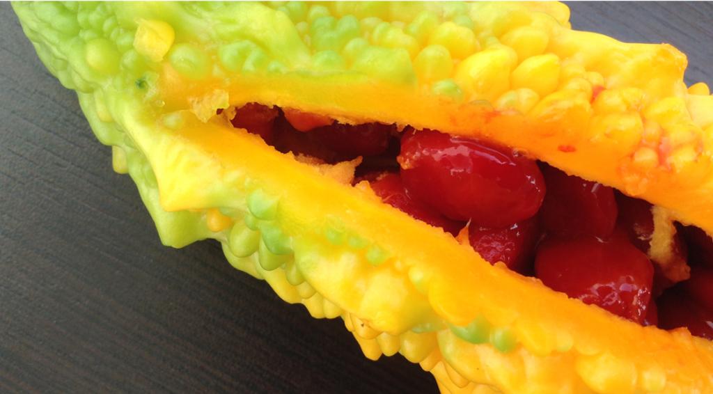 Cennet narı, Kudret narı, tyrkisk frugt, specielt gul tyrkisk frugt, tyrkisk frugt med røde bær, tyrkisk frugt med røde bær indeni, alanya bazar, bazar i alanya, frugter i alanya, frugtbazar alanya, paradise frugt