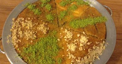 tyrkiske kager, tyrkisk mad du skal smage, kunefe kage, tyrkisk ostekage, künefe,