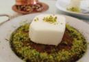 tyrkiske kager, tyrkisk mad du skal smage, kunefe kage, tyrkisk ostekage, künefe, desserter fra Tyrkiet, tyrkisk dessert, underlige kager, desserter fra Tyrkiet