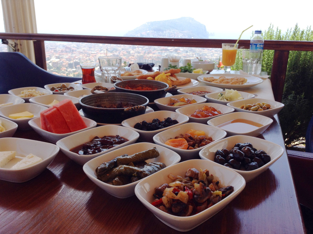 Zirve-tyrkisk-morgenmad