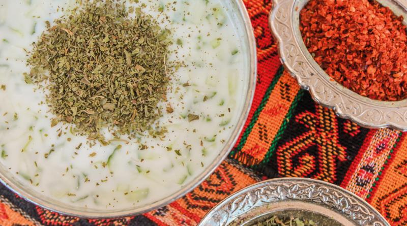 tyrkiske opskrifter, opskrifter på tyrkisk mad, tyrkisk mad opskrifter, cacik opskrift, opskrift på tyrkisk cacik, cacik opskrift, tyrkiske mad opskrifter