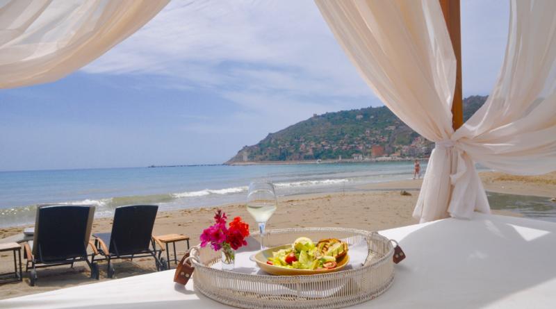 Restaurant anmeldelse: En Vie Beach – Middag med havudsigt