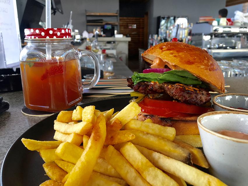 Cooks club alanya, burger alanya, alanya burgers, hotel alanya, moderne hotel alanya