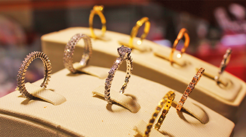 Gold bee, smykker i alanya, smykkeforretning, serkan guldsmed, håndlavet smykker alanya, alanya håndlavet smykker, special designet smykker alanya, alanya såecial designet smykker