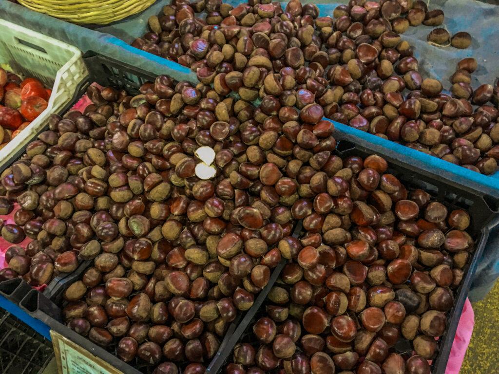 bazar i alanya, alanya bazar, markeder i alanya, alanya markeder, frugt og grønt fra alanya, alanya frugt og grønt, spiselige kastanjer, ægte kastanjer