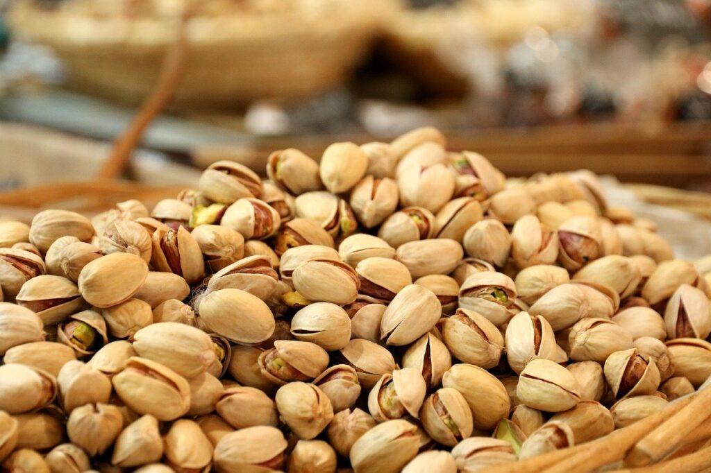 pistacienødder, friske pistacienødder, bazar i alanya, nødder i Tyrkiet, tyrkiske nødder
