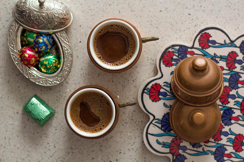 tyrkisk kaffe, kaffe fra tyrkiet, Tyrkiet kaffe, anderledes kaffe, drikkevare i Tyrkiet du skal smage, drikkevare fra Tyrkiet