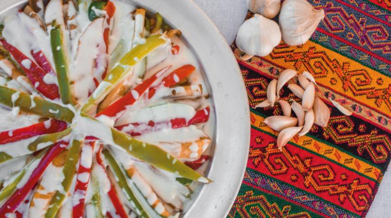 yogurtlama, stegte grønsager med yoghurt, veganske retter, tyrkiske retter, tyrkiske opskrifter, tyrkisk mad, opskrifter på tyrkisk mad, sunde opskrifter, mad fra Tyrkiet, tyrkisk yogurtlama